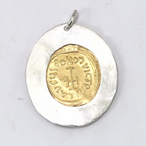 Roman gold coin mount - reverse