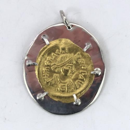 Roman gold coin mount - obverse