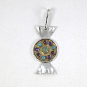 Silver sweet pendant with gold plating
