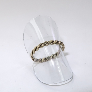 Twisted wire 9ct yellow gold ring