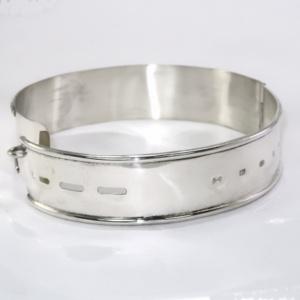 Silver dog collar hallmark side